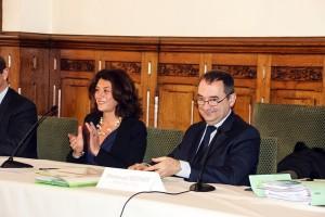 Signature Acquisition Quartier Ordener entre Pascale Loiseleur Maire de Senlis et et Emmanuel Berthier Préfet de l'Oise 03